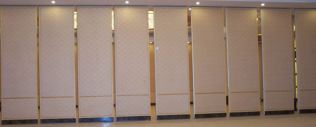 Acoustic moveable wall