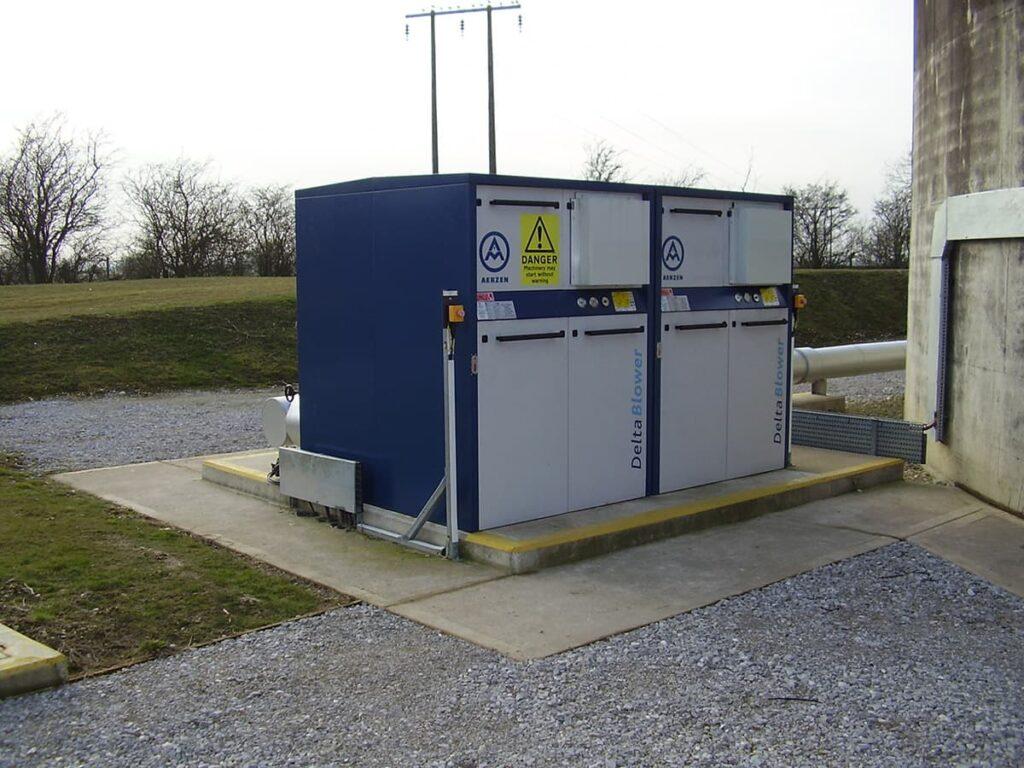 Morgan Sindall generator befoer sound screen instalation